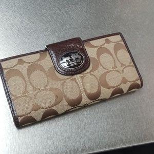 Coach wallet - excellent condition!